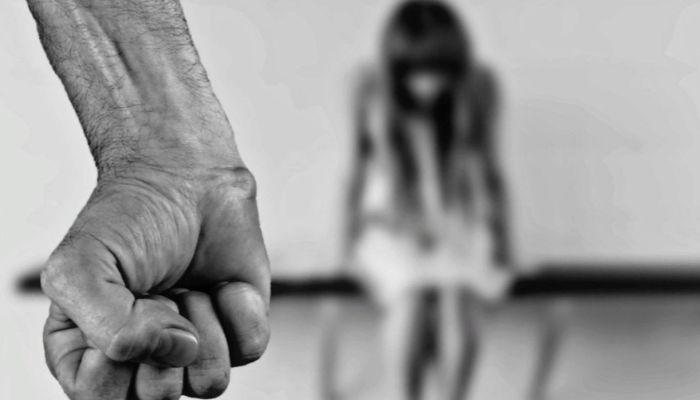 Житель алтайского села сядет в тюрьму за истязания шести детей