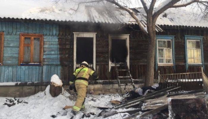 Мать и трое детей погибли во время пожара в Новосибирске