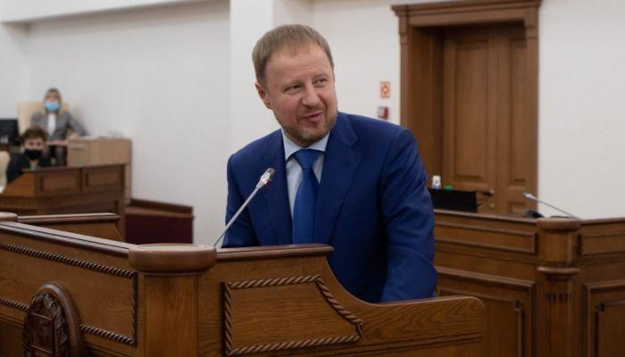 Подарок на пользу: Томенко исполнил желания двух детей из Барнаула