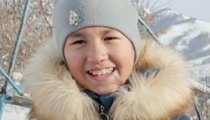 11-летняя алтайская школьница попросила у Деда Мороза дрова вместо гаджета