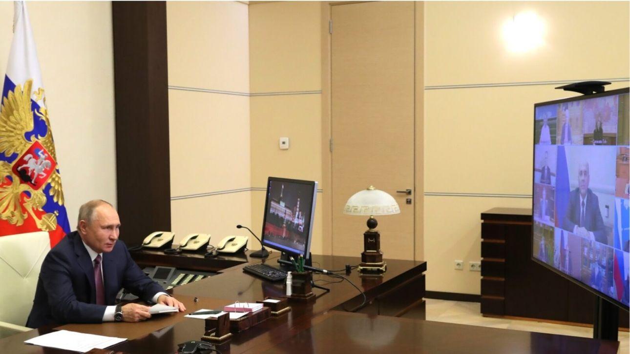 Владимир Путин предложил проработать индексацию пенсий работающих пенсионеров