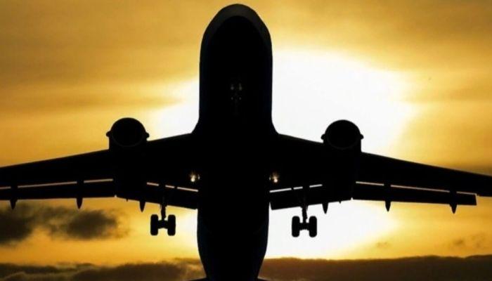 Пассажирский самолет Boeing разбился возле индонезийской Джакарты