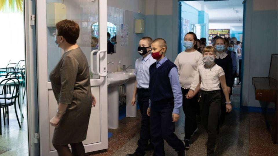 Третья четверть в школах Алтайского края началась в очном формате