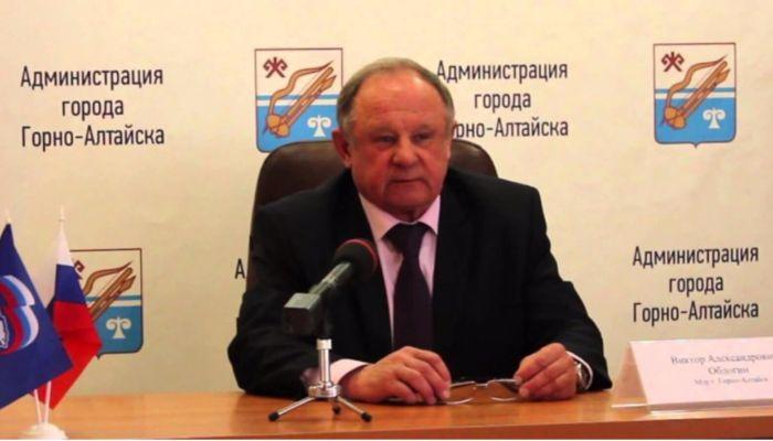 Суд заставил экс-мэра Горно-Алтайска вернуть 1,5 млн за краденый Land Cruiser