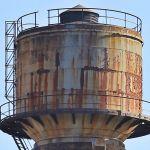 Жители алтайского села отогревают водонапорную башню ради появления воды