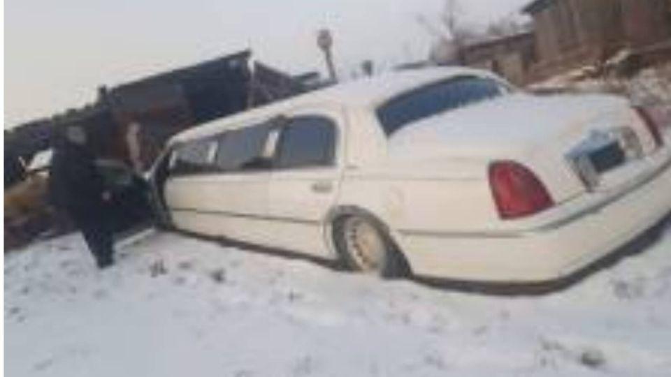 У барнаульца забрали лимузин из-за долгов по алиментам