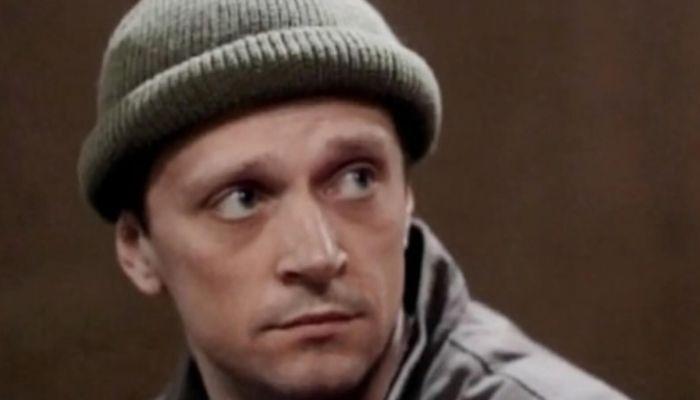Актера из сериала Глухарь нашли мертвым в своей машине