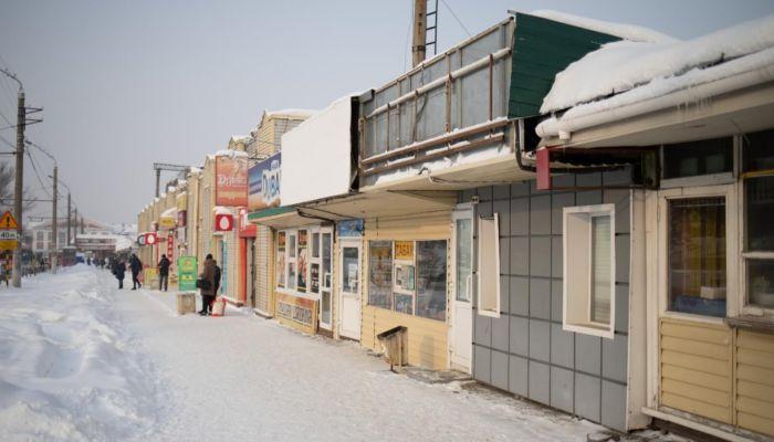 Пора меняться. Напротив площади Победы в Барнауле демонтируют неряшливые киоски