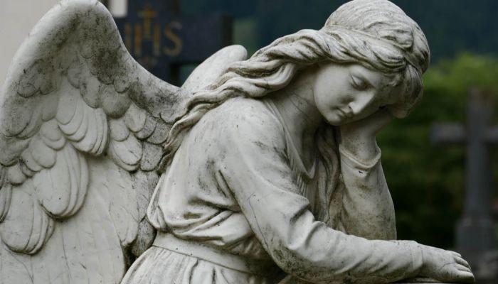 Новосибирец без прав сбил пешехода, а затем отвез его на кладбище