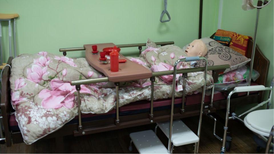 Алтайский минздрав закрыл еще два госпиталя и урезал койки в оставшихся