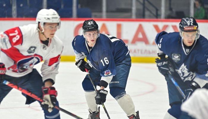 Хоккеисты Динамо-Алтай разгромили гостей из Красноярска в первой игре года