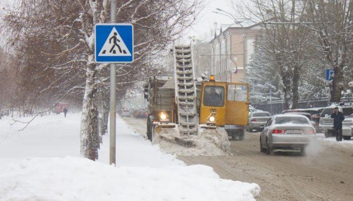 В Бийске нашелся лишь один желающий чистить снег в Приобской части города