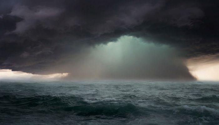 Четыре человека погибли в результате крушения сухогруза в Черном море
