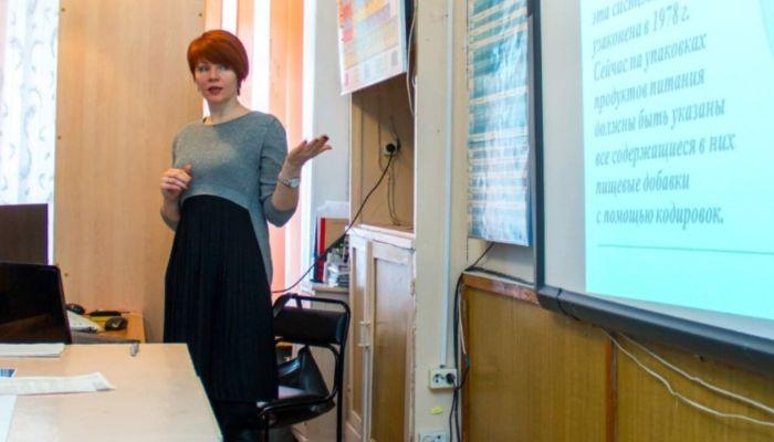 Депутаты АКЗС займутся этикой в родительских чатах и защитой гадких учителей