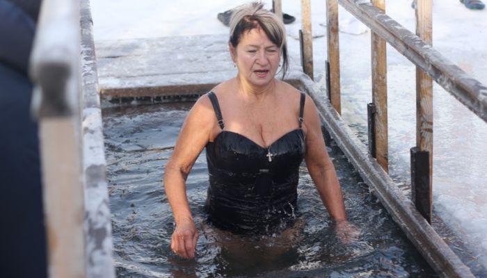 МЧС: 20 тысяч жителей Алтайского края окунулись на Крещение
