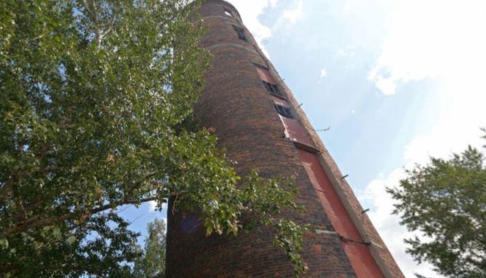 Ненужную водонапорную башню в центре Барнаула пытаются сдать в аренду