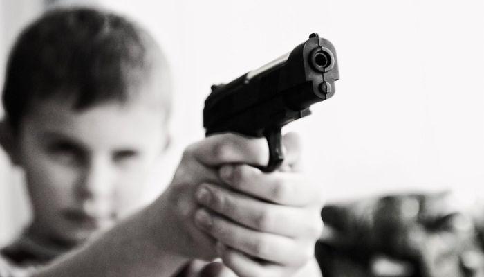 ФСБ задержала двух подростков, готовивших расстрел в подмосковной школе