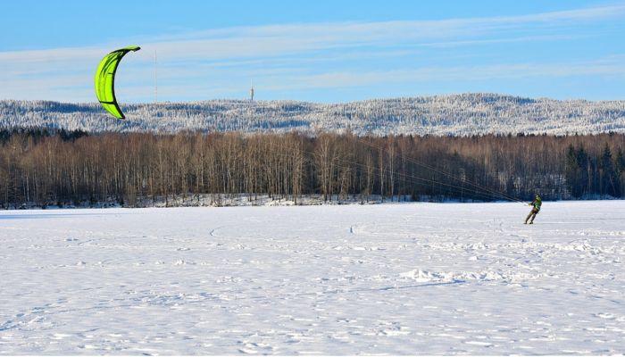 Гонки сноукайтеров пройдут на льду Оби под Барнаулом