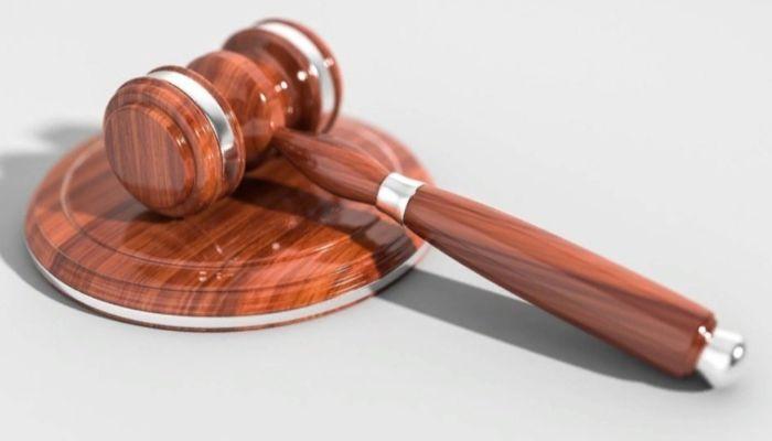 В Барнауле будут судить экс-директора фирмы за махинации с техникой на границе