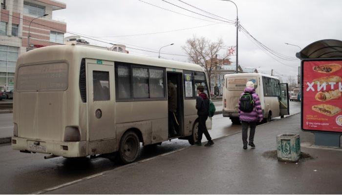 Жители Барнаула возмущены изменившейся в мороз схемой движения автобуса № 65