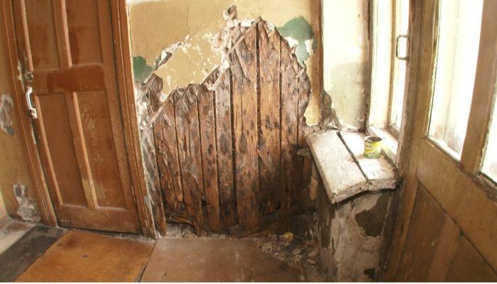 Коммунальный патруль: жильцы дома на Тимуровской боятся собственных стен |
