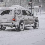 ГИБДД обратилась к автомобилистам Барнаула из-за сильной метели