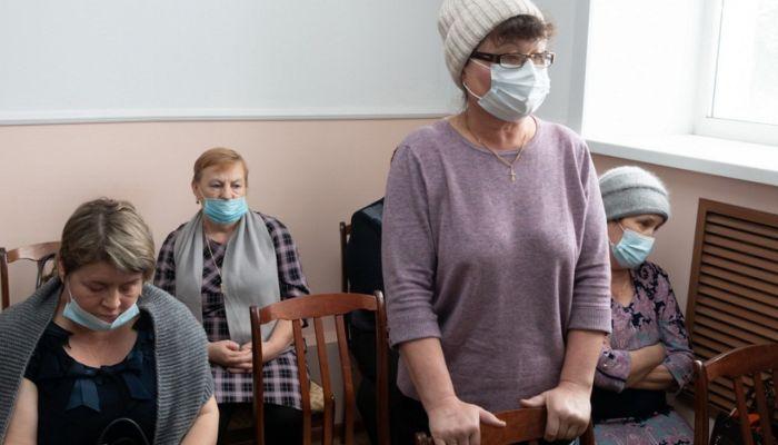 Скорой и лекарств нет: пациенты рассказали замминистра о ЦРБ, где умер ребенок