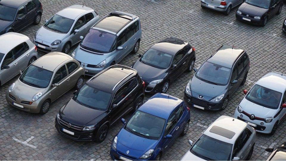 Водителям рассказали об опасной ошибке при парковке авто