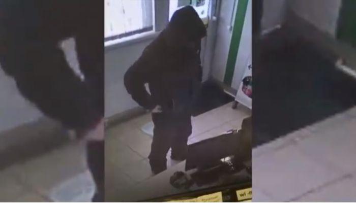 Грабитель с ножом напал на офис микрозаймов в Бийске