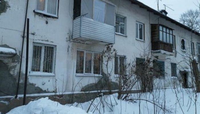 Мы погибнем: жильцы аварийного дома в Барнауле боятся умереть от канализации
