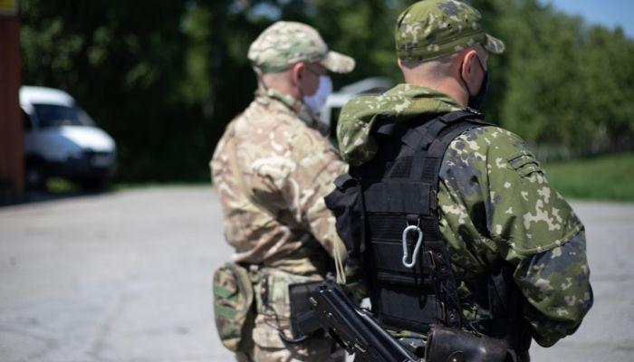 Открывшему огонь по полицейским жителю Бийска дали 12,5 лет тюрьмы