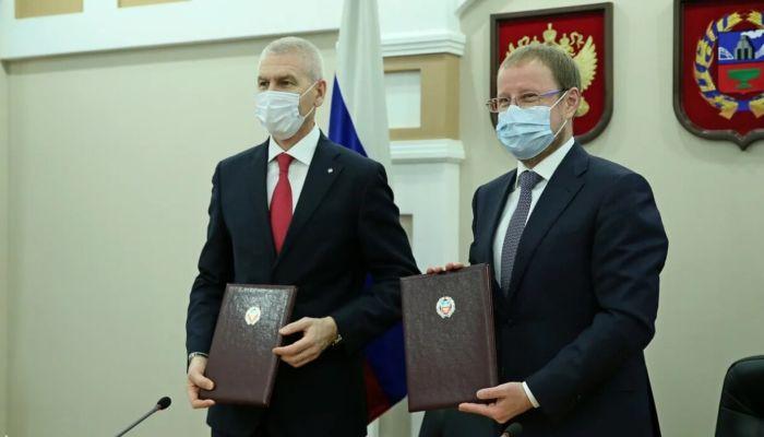 Министр спорта в Барнауле подписал соглашение с правительством Алтайского края