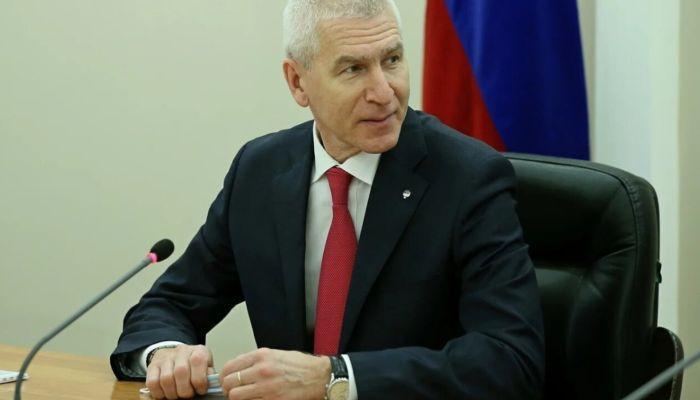 Глава теннисной федерации Новосибирска нажаловалась Матыцину на министра-пловца