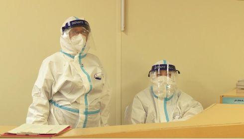 Более 700 врачей удалось вернуть в профессию в Алтайском крае