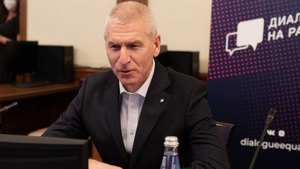 Министр спорта рассказал, будут ли строить легкоатлетический манеж в Барнауле