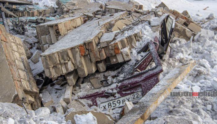 В Алтайском крае взрывом котла уничтожило здание автосервиса