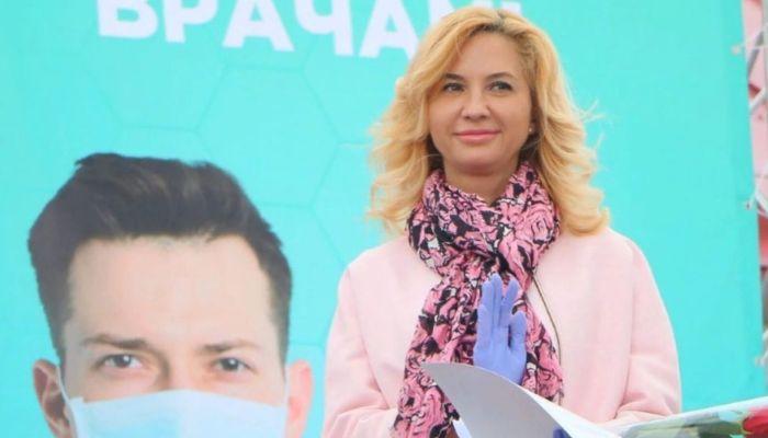 Сбежала за границу: экс-главу омского минздрава объявили в международный розыск
