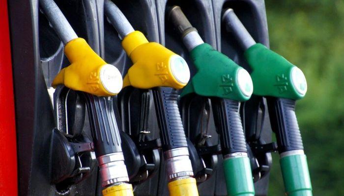 Автоэксперт развеял глупые заблуждения про бензин