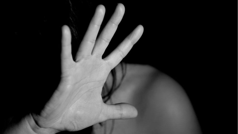 Девять подростков жестоко избили школьницу в Нижнем Тагиле
