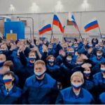 Рабочие барнаульского завода АТИ спели и сплясали в клипе за Путина