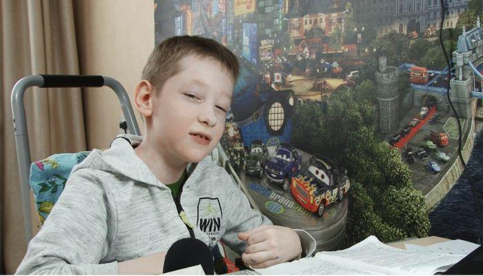 12-летнему Максиму Трофимову из Барнаула нужна срочная операция