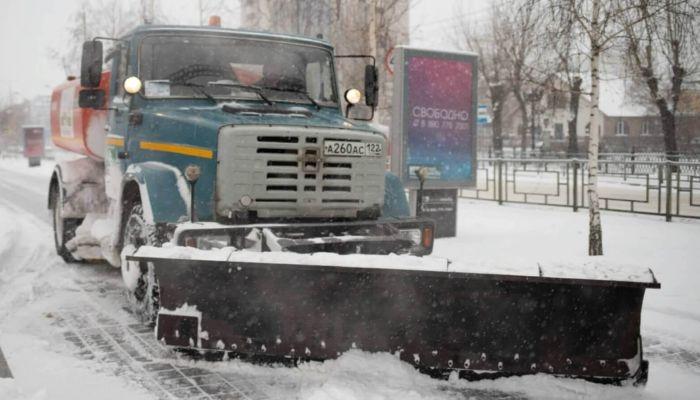 Более 150 снегоуборочных машин будут работать в Барнауле на выходных