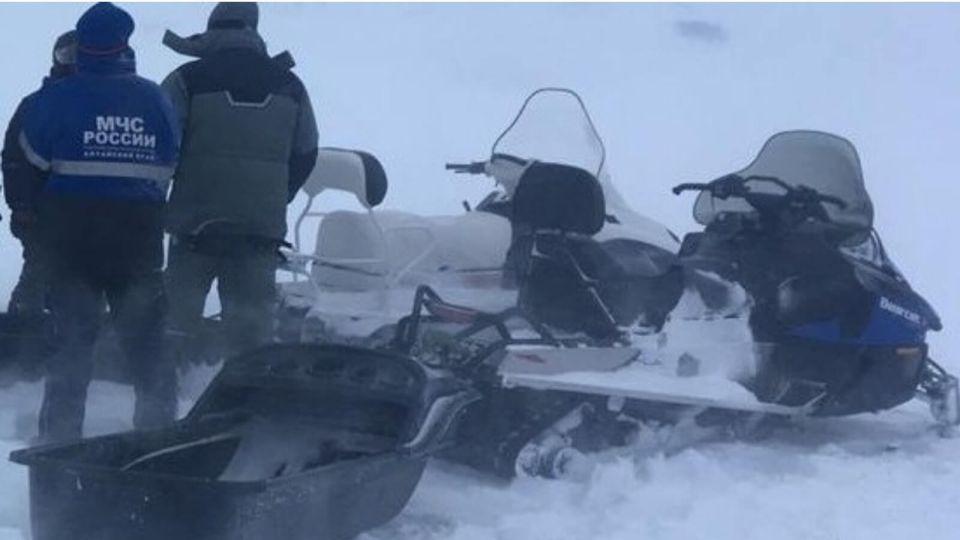 На Алтае мужчина чудом выжил, пролежав в снегу с переломом ноги