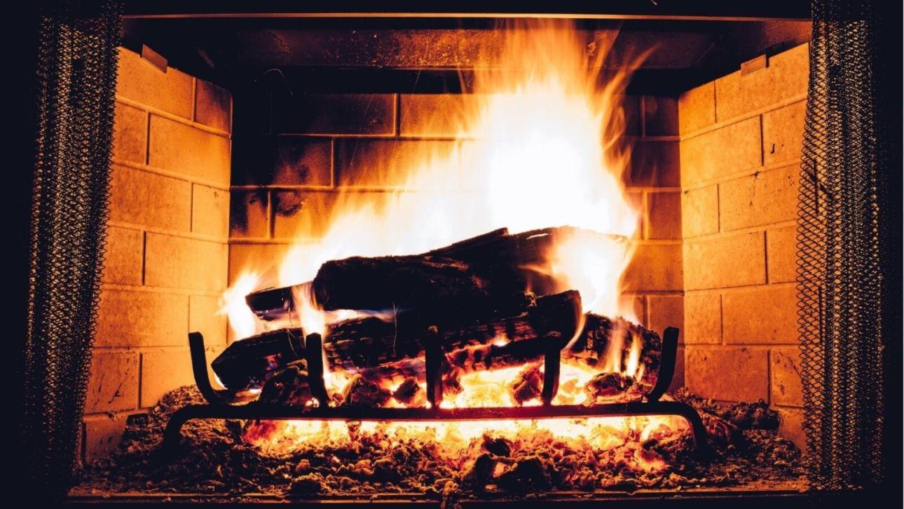 Приметы на 9 февраля: почему стоит зажигать печь и избегать подарков