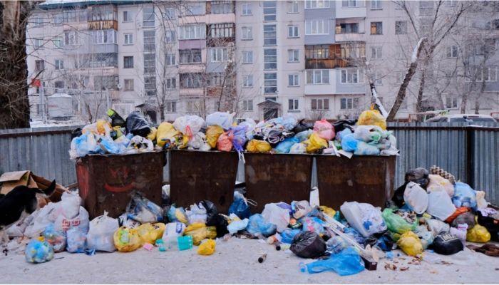Бийску грозит мусорный коллапс из-за завалов снега