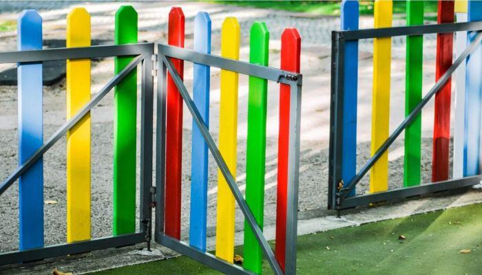 Перелез через забор: мальчик сбежал из детского сада в Новосибирске