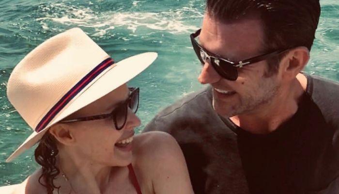 Певица Кайли Миноуг впервые выходит замуж в 52 года