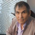 Сын Бари Алибасова рассказал, что Федосеевой запрещают общаться с отцом
