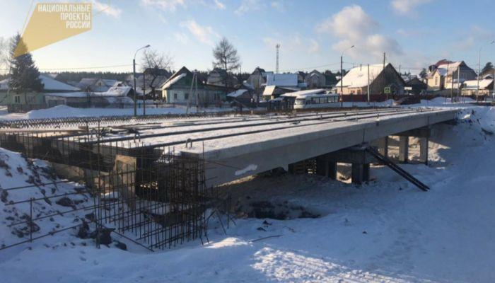 Обновленный мост во Власихе за 53 млн рублей откроют летом 2021 года
