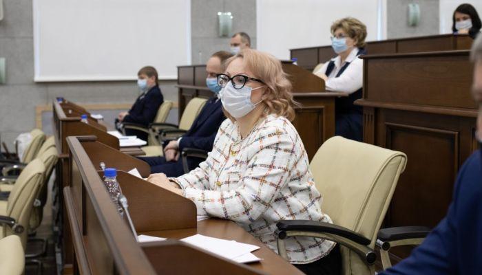 Депутат Барнаульской гордумы Кристина Юстус написала заявление о выходе из ЛДПР
